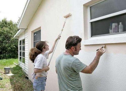 Наружная покраска стен дома своими руками