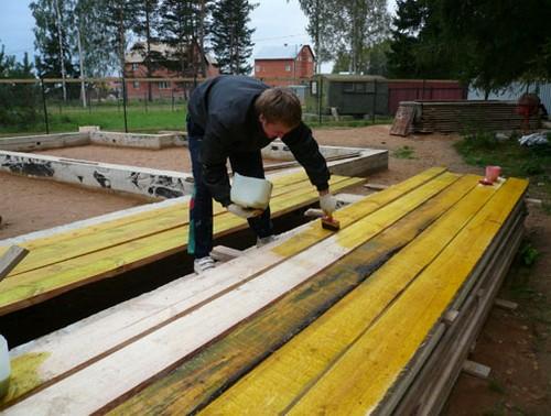Чем покрасить вагонку снаружи дома: видео-инструкция по выбору красок для наружных работ, фото
