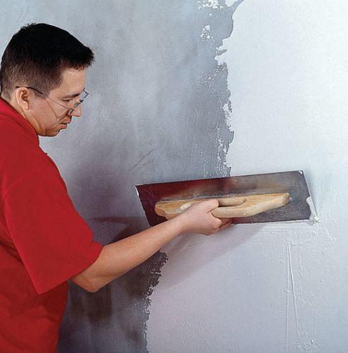 Грунтовка стен под обои перед поклейкой: видео-инструкция по нанесению своими руками, фото