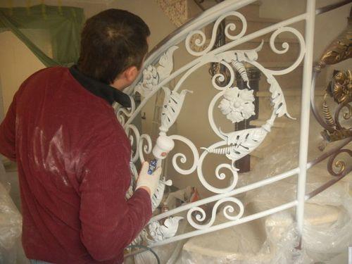 Как красить железо: чем покрасить ржавый железный гараж, забор, инструкция, видео и фото