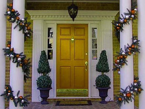 Как украсить двери к Новому году
