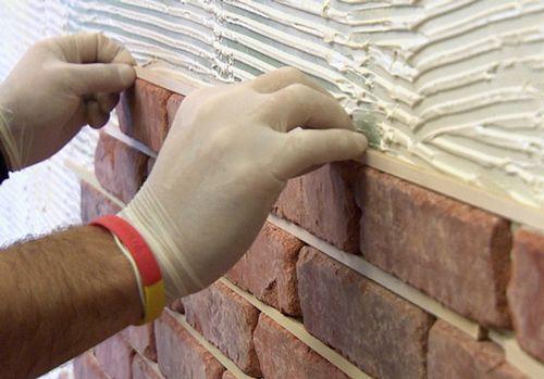 Отделка цоколя природным камнем: видео-инструкция как отделать своими руками, фото