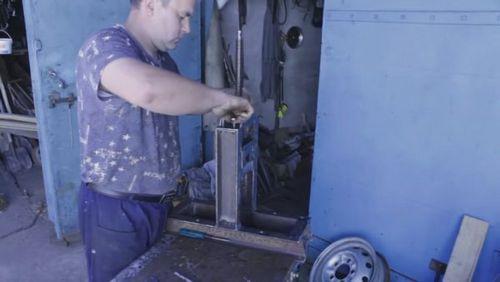 Профилегиб своими руками: электрические, гидравлические и другие конструкции, видео и фото
