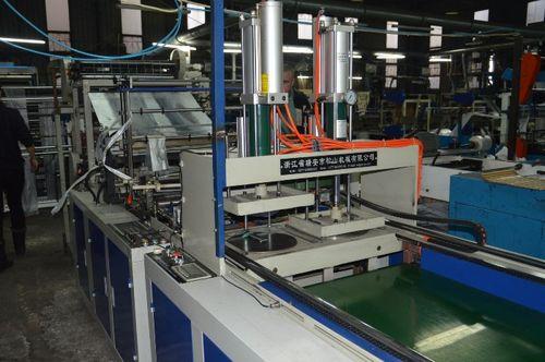 Агрегаты для изготовления тары и производства пакетов