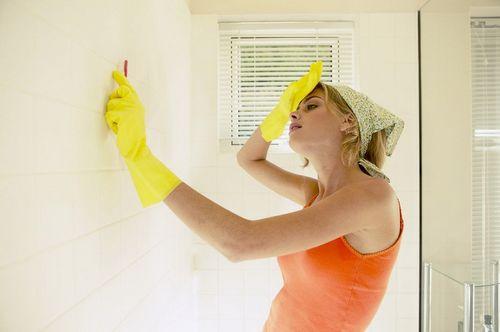 Чем отмыть плитку после ремонта: несколько важных советов (видео)