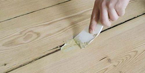 Чем заделать щели в деревянном полу своими руками?