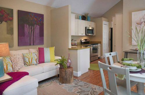 Дизайн кухни с диваном, фото. Модный интерьер кухни с диваном