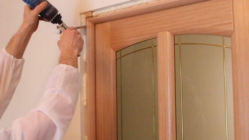 Как установить дверную коробку межкомнатной двери: как собрать телескопическую, это установка своими руками
