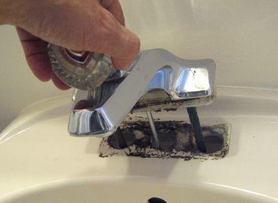Как установить смеситель в ванной: фото, видео инструкция