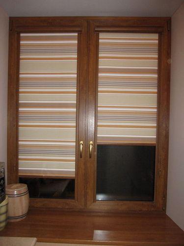 Кассетные рулонные шторы на пластиковые окна: 15 фото