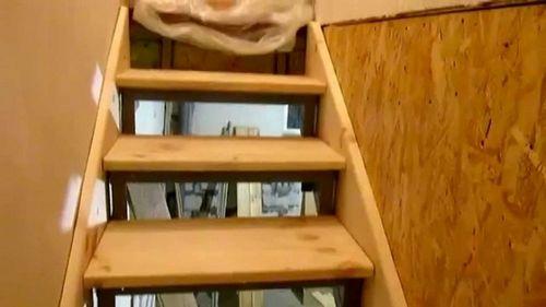 Лестница в гараже на второй этаж