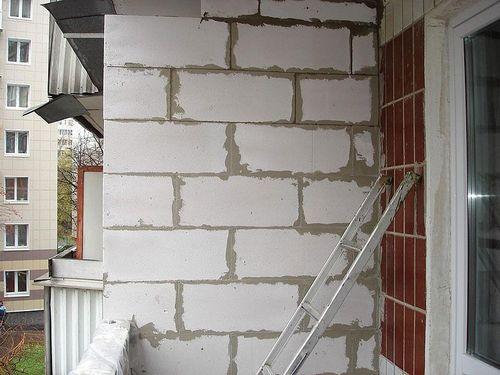 Перегородка на балконе от соседей: как сделать межбалконную перегородку на лоджии