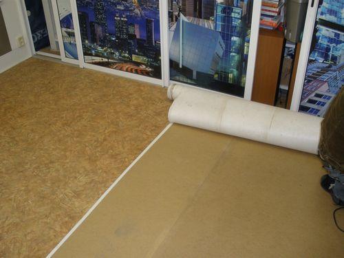 Подложка под линолеум на бетонный пол: нужна ли и какую выбрать, что подложить в качестве утеплителя, как утеплить пол в квартире и в доме
