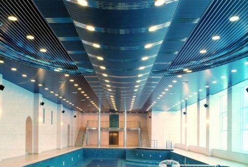 Потолок в бассейне - из чего сделать?
