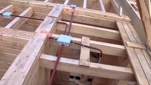 Проводка в деревянном доме, правила