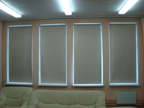 Рулонные шторы блэкаут на пластиковые окна: фото