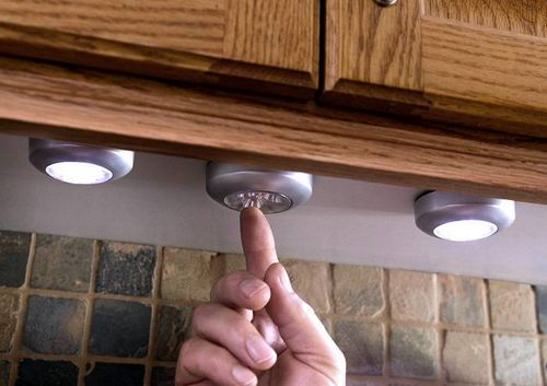Светодиодная подсветка для кухни под шкафы: виды и установка