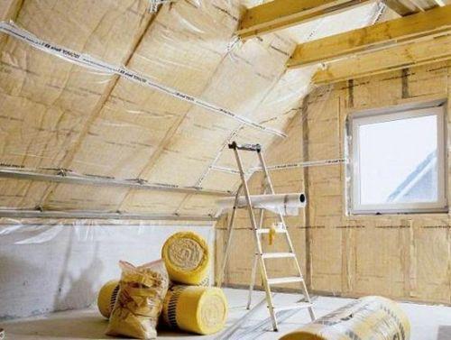 Утепление потолка мансарды - различные материалы и варианты