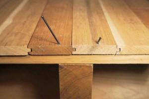 Выравнивание деревянных полов под паркет